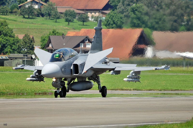 Saab Gripen airbraking
